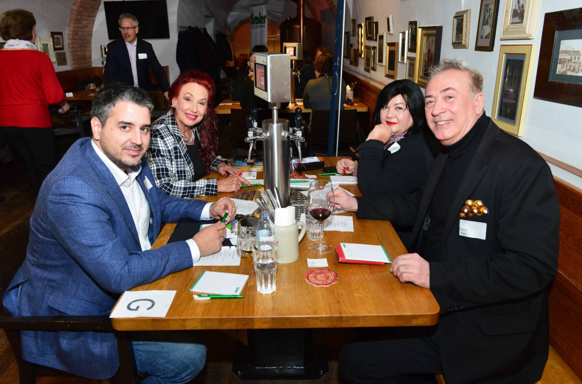 Liebe auf den schnellsten Blick   Tiroler Tageszeitung Online